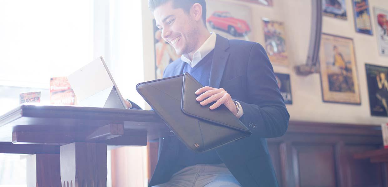 Taschen und Hüllen für das Microsoft Surface 4 von Cool Bananas